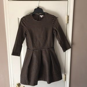 Women's gap fit and flare striped dress size 6